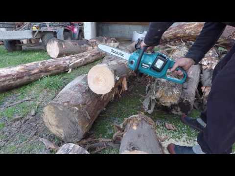 Makita Chainsaw (DUC353)