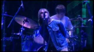 Oasis Champagne Supernova (Live at Wembley 2000)