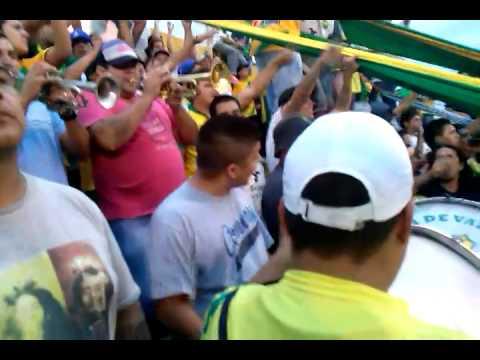 """""""La Banda de Varela a todo ritmo."""" Barra: La Banda de Varela • Club: Defensa y Justicia"""