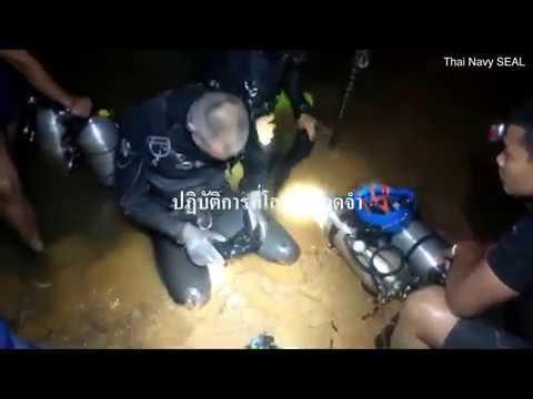 Video ze záchrany kluků z thajské jeskyně. Na akci se podílelo 90 potápěčů