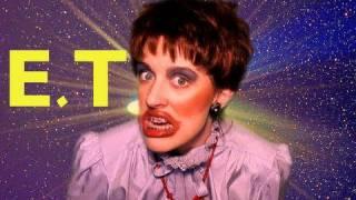 """Кэти Перри, Кейт Клэп выпустила свою версию """"E.T."""""""