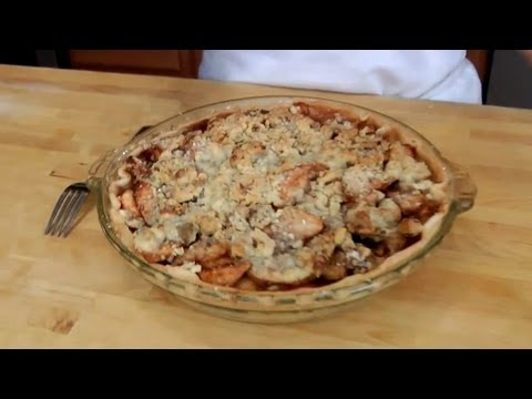 Caramel Apple Pie – Recipe by Laura Vitale – Laura in the Kitchen Episode 205