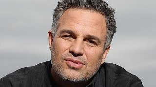 The Tragic Real-Life Story Of Mark Ruffalo | Kholo.pk