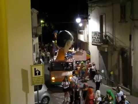 Preview video Video Carnevale Estivo 2011 sfilata maschere e carri allegorici Laurenzana 20 agosto 2011