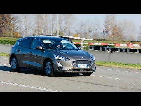 Ford Focus Sedan Седан класса C - тест-драйв 3