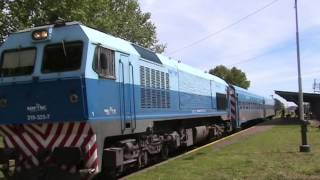 preview picture of video 'Tren 2712 a Moreno por Francisco Alvarez (27/09/2014)'