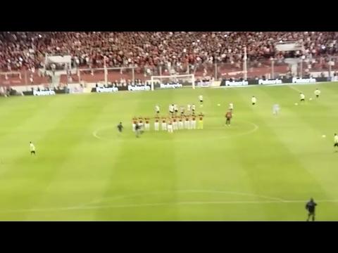 """""""Independiente 2 - Estudiantes 2. EL RECIBIMIENTO!"""" Barra: La Barra del Rojo • Club: Independiente"""
