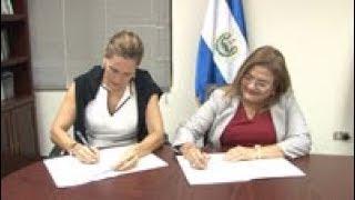 PDDH FIRMA CONVENIO CON PROYECTO DERECHOS Y DIGNIDAD