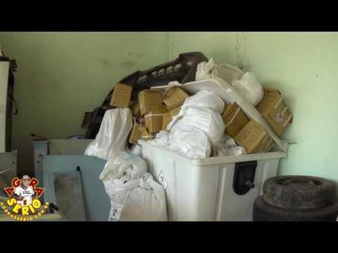 Lixo Contaminado acumulando no Hospital de Juquitiba
