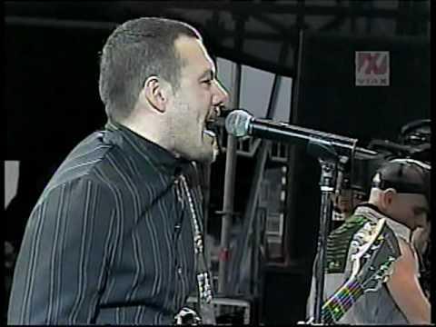 Catupecu Machu - A Veces Vuelvo (DVD Vive Latino Chile 2007)