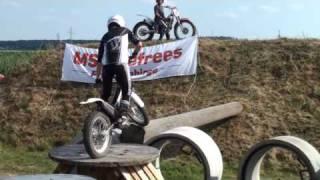 """Motorrad-Trial-Vorführung des MSC Gefrees bei den """"Pilots"""" in Eschenbach"""
