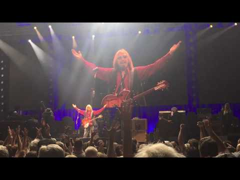 I Won't Back Down (LIVE) - Tom Petty And The Heartbreakers Mp3