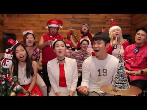 """MrJon Lee , Mayjune & The Kryptonite Sings """"Angels We Have Heard On High"""" (Music Classroom)"""