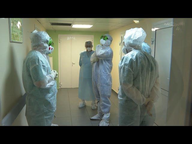 Врач из столицы поделился опытов в борьбе с коронавирусом с медиками из Иркутска
