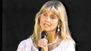 Olivia Newton John - Over The Rainbow - live 1989