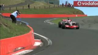 ジェンソン・バトン、バサーストでF1カー&V8スーパーカーをドライブ