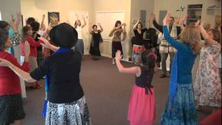 "MESSIANIC (DAVIDIC) DANCE:  ""WHEN THE SAINTS"" by Mishkanim (""Aline & Howie"")"