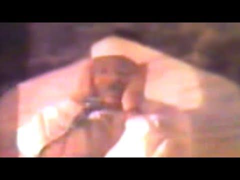 تلاوة الشيخ عبد الباسط التي أسلم بعد حضورها واستماعها الكثير من الأجانب في جنوب أفريقيا عام 1981م