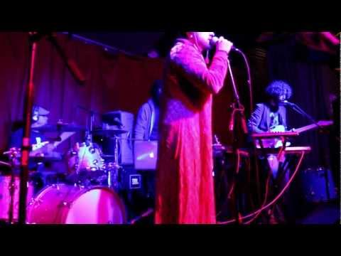 "Tektite performs ""Earthrise"" Live"