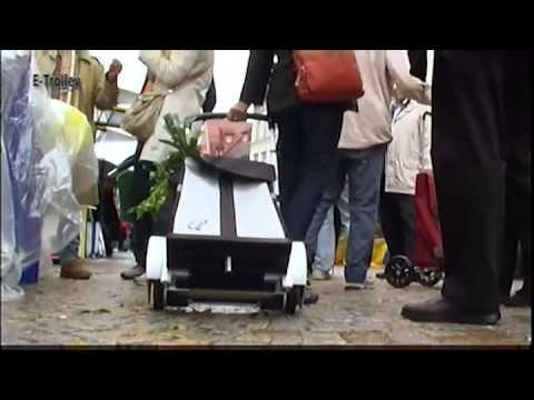 Elektromotorisch betriebener Einkaufstrolley mit Treppensteighilfe