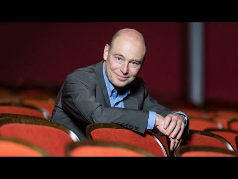 Staatsintendant Jens-Daniel Herzog lädt Sie zur digitalen Entdeckungsreise ein