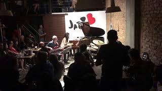 Makiko Yoneda TRIO 5 - Não posso ver um boteco - LIVE on JazzB at São Paulo , Brazil -
