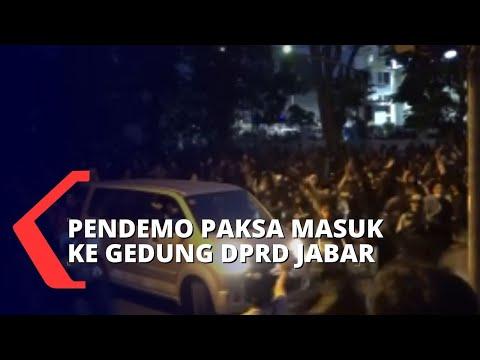 demo tolak uu cipta kerja berujung ricuh polisi tangkap pendemo