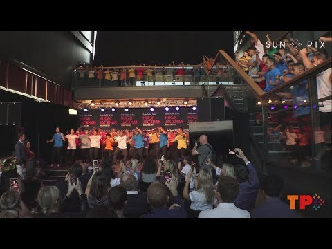Hugh Jackman & Keala Settle perform with Oceanian Voices Choir + Haka