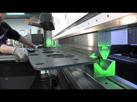 STAHLBAU IHNEN: Blechbearbeitung mit der Abkantpresse Bystronic Xpert 400