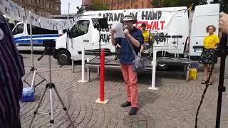 29.7.18 Rechte Demo in Wiesbaden. Nazi, Klaus Lelek gegen Antifa.