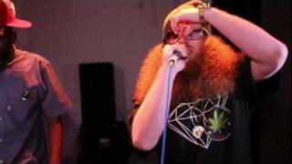 Kitchen Sessions: Rittz grabs the mic as Young Scolla beat boxes