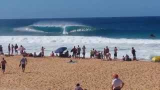 preview picture of video 'Surfing Pipeline Backdoor Shootout'