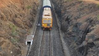 preview picture of video 'Osmanabad railway maintenance train'