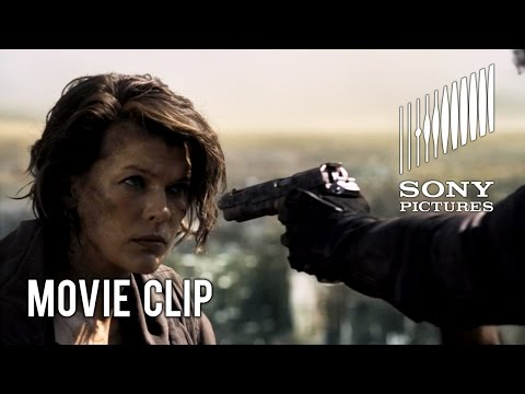 Resident Evil: The Final Chapter Clip 'Rooftop Standoff'