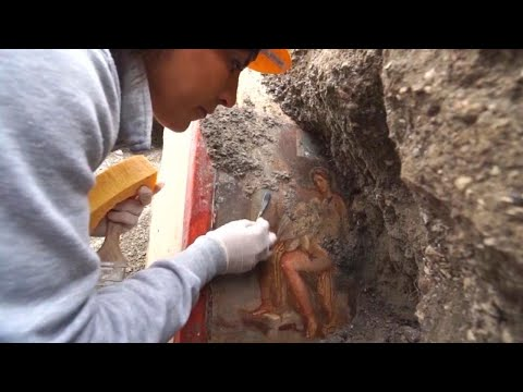 Ancient 'Sensual' Painting Uncovered by Workers in Pompeii