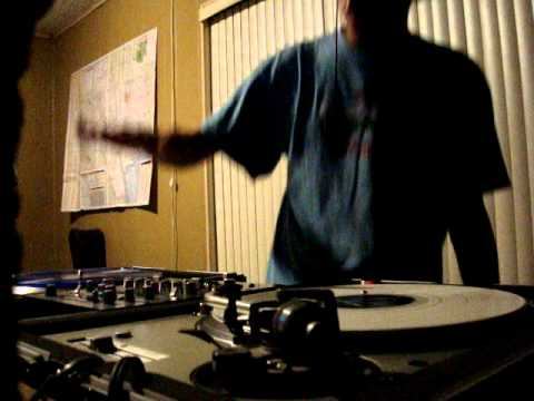 Spinvipers spinning on some Technics 1200's