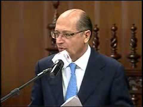 Alckmin assina convênio para realização de obras para a Copa de 2014
