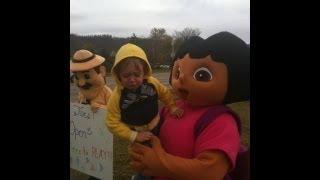 Landon meets Dora ...