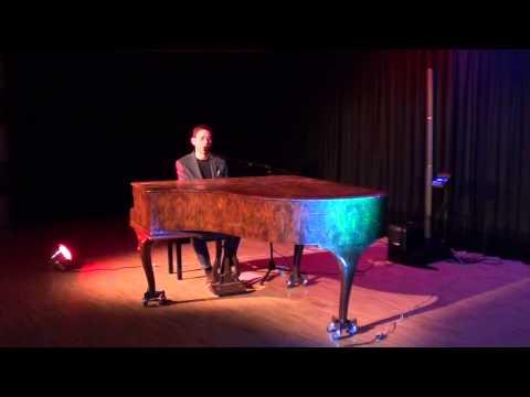 David Lang I Der singende Poet am Klavier video preview