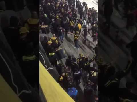 """""""Entrada Hinchada de Peñarol vs Rampla"""" Barra: Barra Amsterdam • Club: Peñarol"""