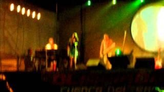 Fabiana Cantilo en Lobos 2011-Pupilas lejanas