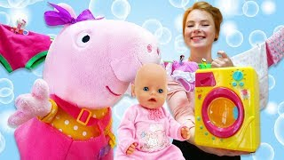 Wir waschen Bettwäsche mit Peppa Pig. Video mit Baby Born.