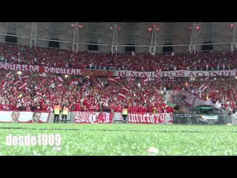 """""""Vs Atlético MG - LA15 - Oitavas de Finais - Colorado eu Sou / A cada dia te quero mais"""" Barra: Guarda Popular • Club: Internacional"""