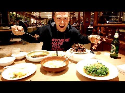 Traditional SUZHOU FOOD on Guan Qian Shopping Street - Crab Tofu, Eel & Pork Ribs | Suzhou, China