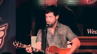 David Cook - Heroes/Champagne Supernova Acoustic Mash-up @ 96.5 TIC
