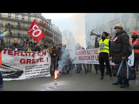 Εντείνονται οι απεργιακές κινητοποιήσεις στη Γαλλία