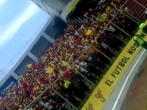 """""""locura 81 vs queretaro( sueñen putos gaños son de la A)"""" Barra: Locura 81 • Club: Monarcas Morelia"""