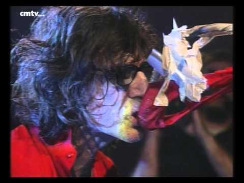 Charly García video Llorando en el espejo - CM Vivo agosto 2002