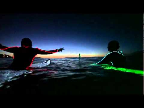 גלישה לילית - סרטון מדהים!
