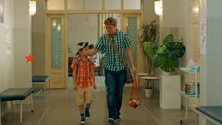 Отец учит ребенка совершать бескорыстные поступки - сериал Папаньки - Премьера на ICTV